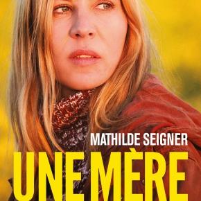 En bref : UNE MÈRE de ChristineCarrière