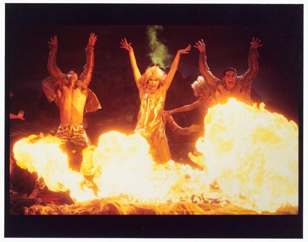 showgirls-1995pathe-production